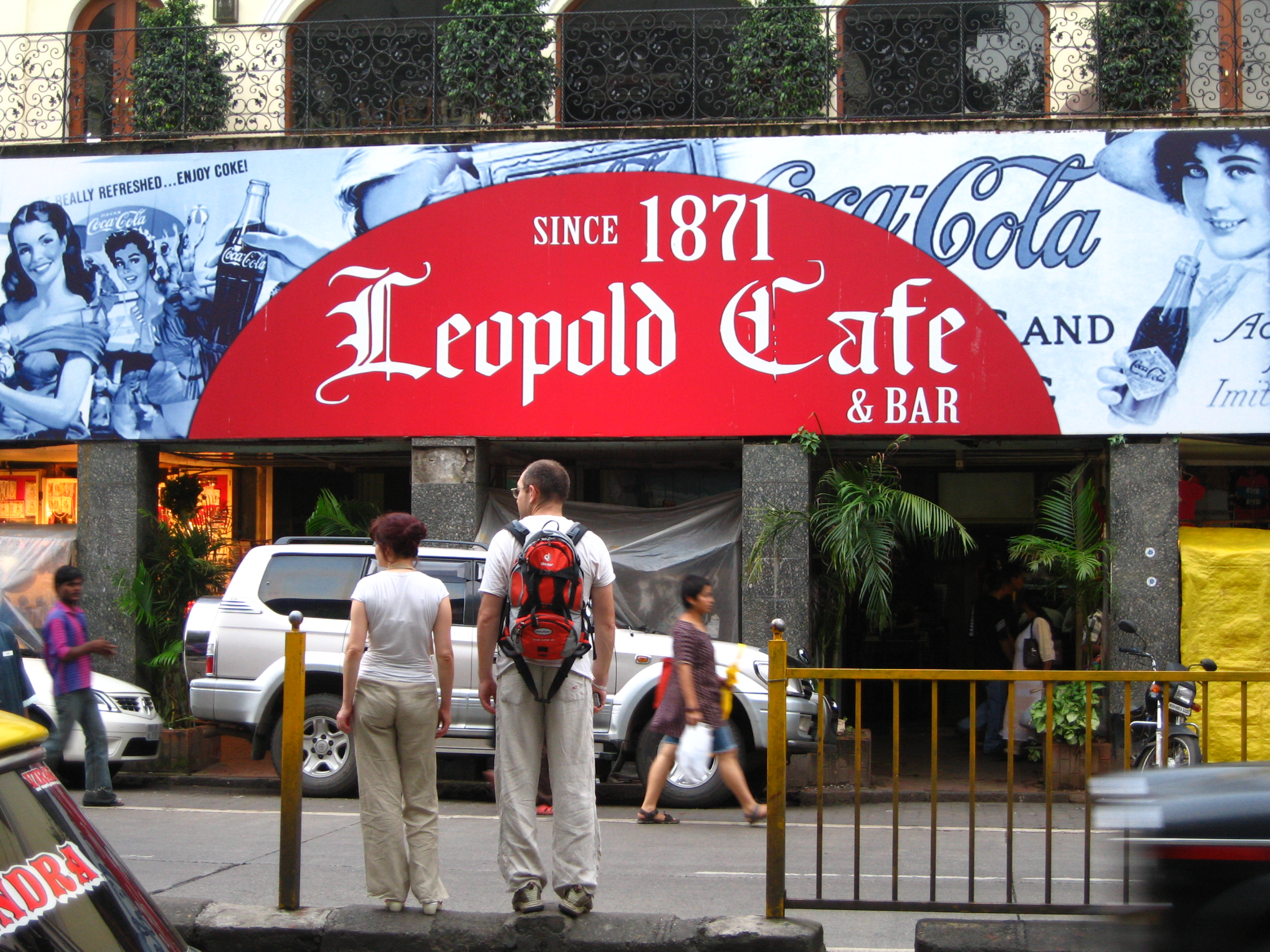 leopold-cafe-bar-colaba