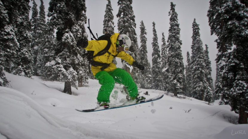 Top 10 Snowboarding and Skiing Destinations in India
