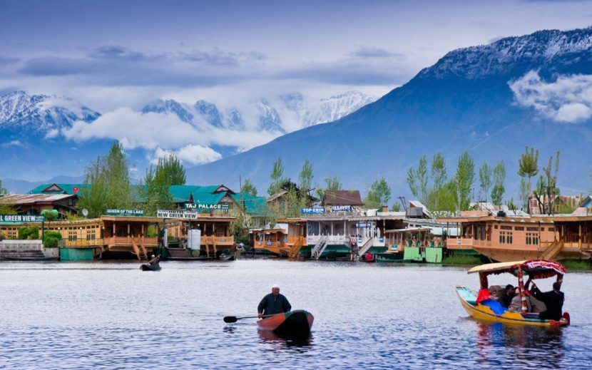 Top 10 Must Visit Tourist Places in Kashmir