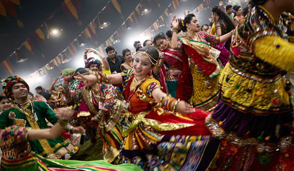 Enjoy the Dance In Gujarat