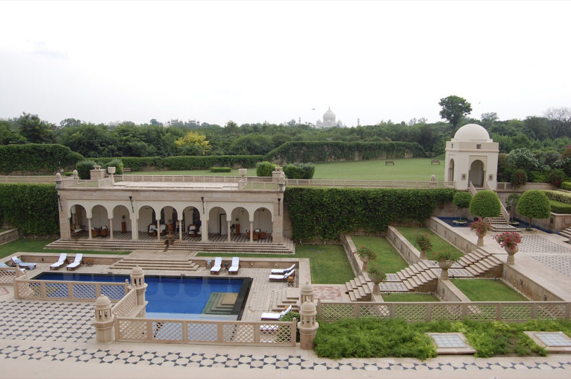 Best Resorts and Hotels in Agra